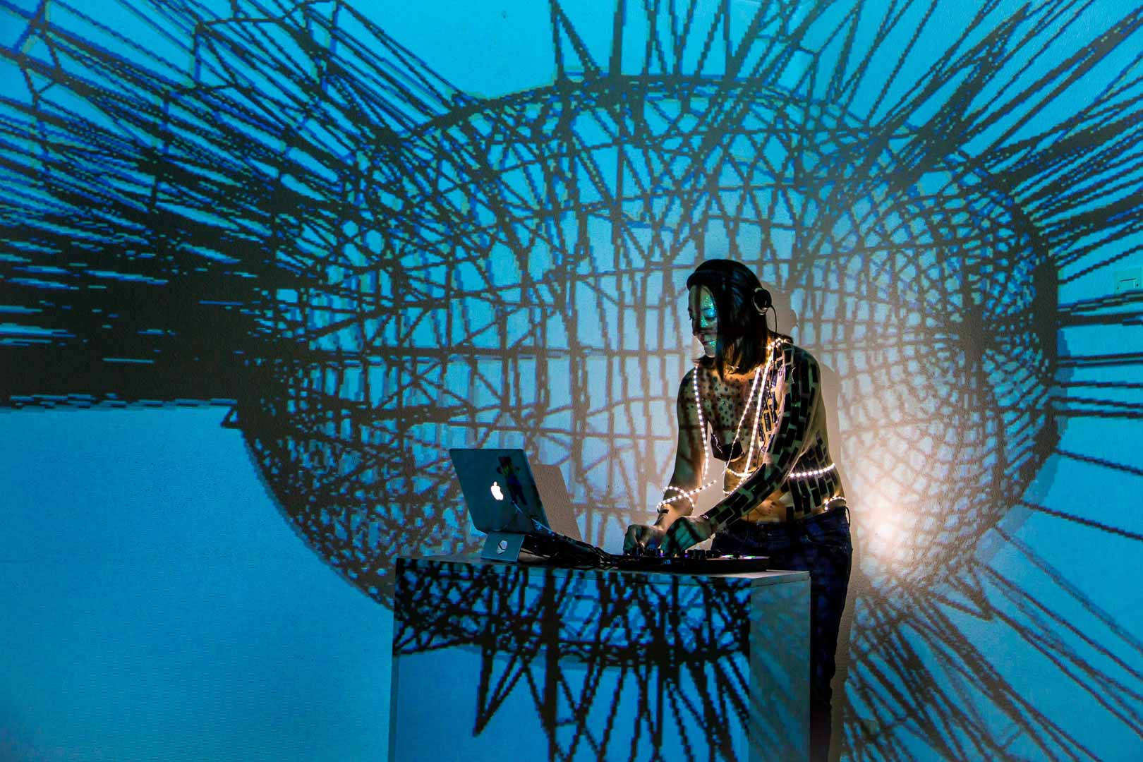 Visuales Nidra Eternity immersive projections mapping vj Christel Bocksang Nilda Ayala Nildaya Nildayala